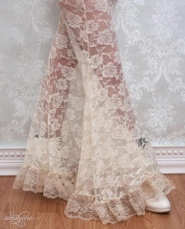 Ivory lace skirt hem